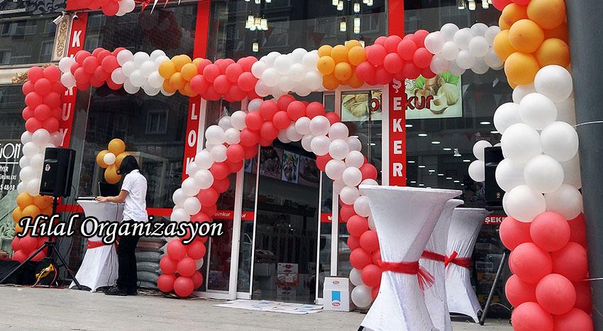 açılışta zincir balon süslemeleri