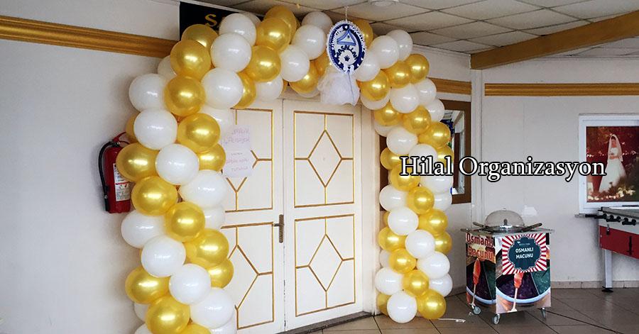 gold beyaz balon süslemesi